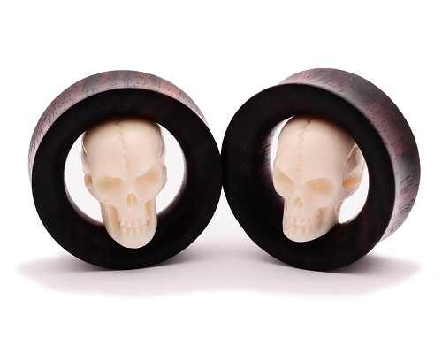 Sono Wood Tunnels with Carved Bone Skull