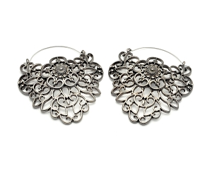 Hoop Earrings with Filigree Crest Shape