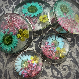 Embedded Triple Flower Resin Plugs