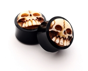 Horn Plugs with Bone Skull